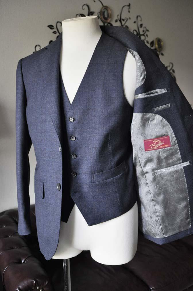 DSC2745-2 お客様のスーツの紹介-Biellesiネイビーチェック スリーピース-