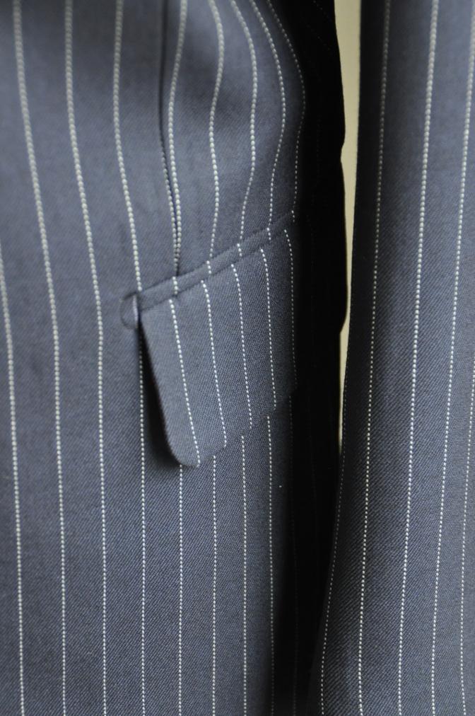 DSC2748 お客様のスーツの紹介-DARROW DALE ネイビーピンストライプ-
