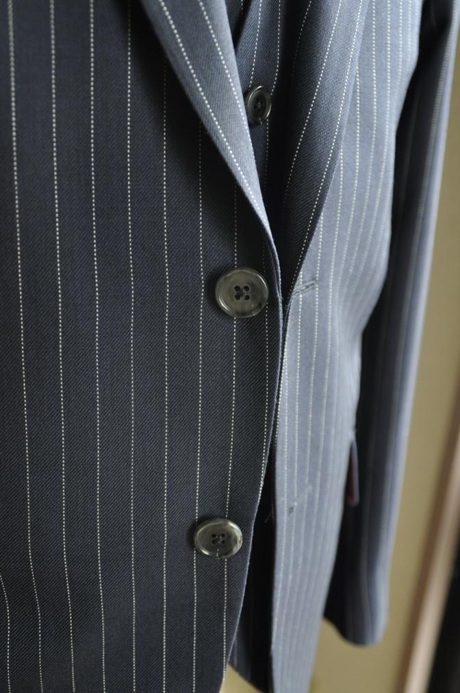 DSC2749 お客様のスーツの紹介-DARROW DALE ネイビーピンストライプ-