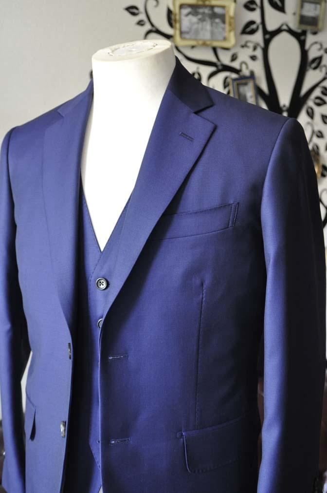 DSC2753-2 お客様のスーツの紹介-CANONICO 無地ネイビースリーピース-