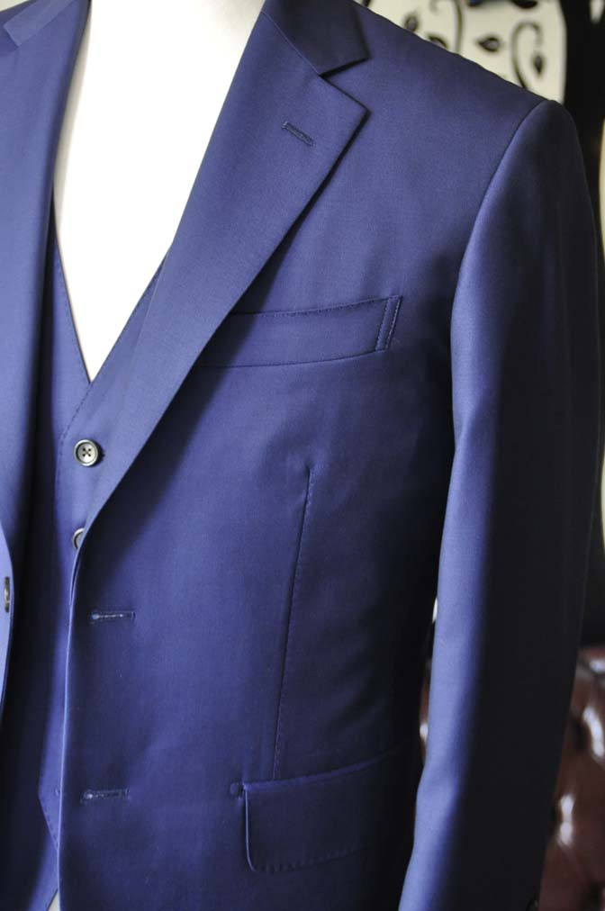 DSC2755-2 お客様のスーツの紹介-CANONICO 無地ネイビースリーピース-