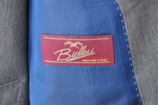 DSC27711 お客様のスーツの紹介- Biellesi 無地グレー スリーピーススーツ-