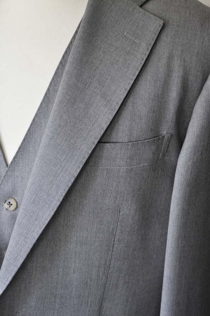 DSC27741 お客様のスーツの紹介- Biellesi 無地グレー スリーピーススーツ-