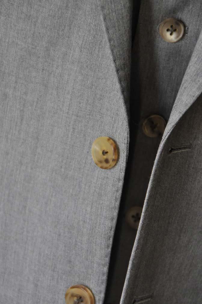DSC27771 お客様のスーツの紹介- Biellesi 無地グレー スリーピーススーツ-