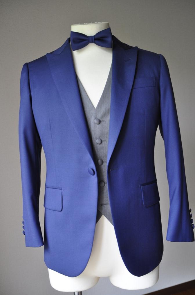 DSC2789 お客様のウエディング衣装の紹介-BIELLESIネイビースーツ グレー/ホワイトベスト-
