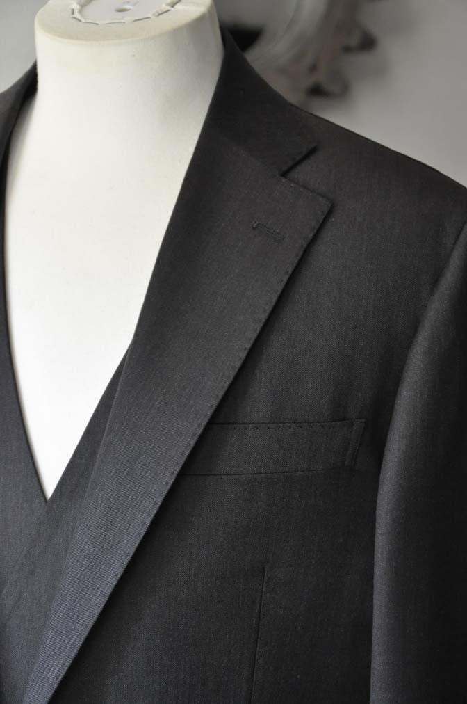 DSC27921 お客様のスーツの紹介- Tollegno 無地ブラウン スリーピーススーツ-