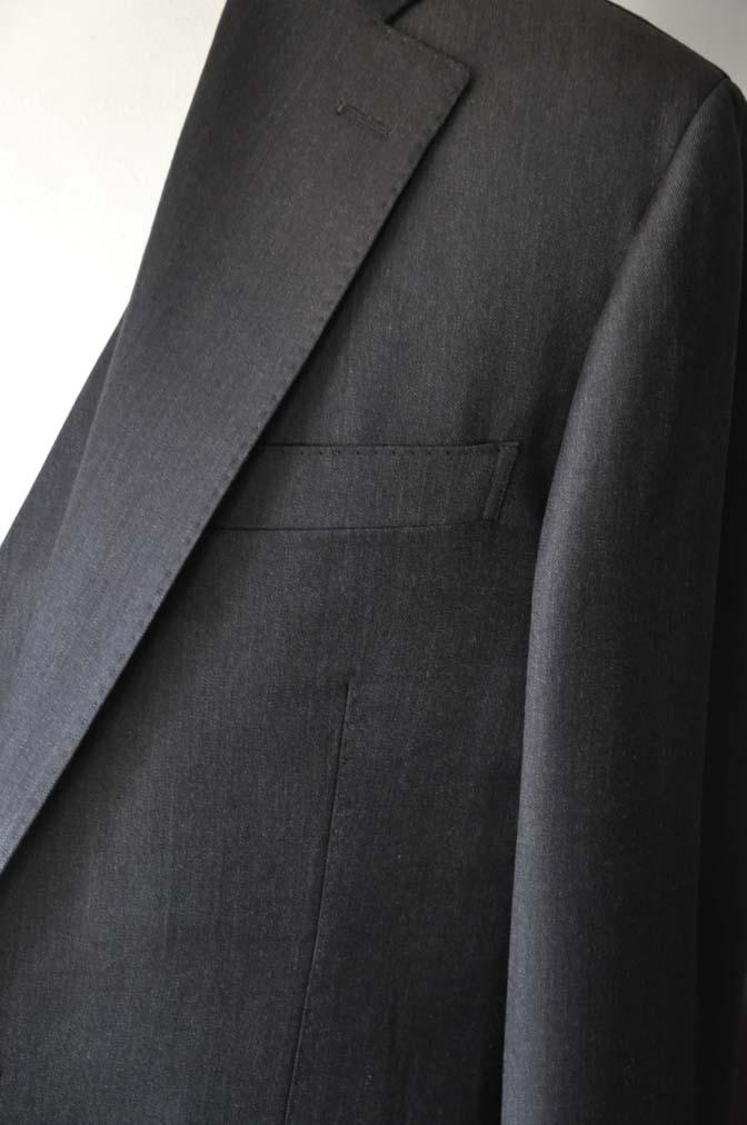 DSC27931 お客様のスーツの紹介- Tollegno 無地ブラウン スリーピーススーツ-