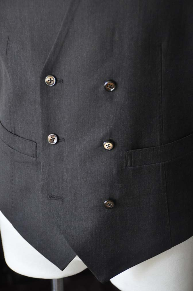 DSC27991 お客様のスーツの紹介- Tollegno 無地ブラウン スリーピーススーツ-