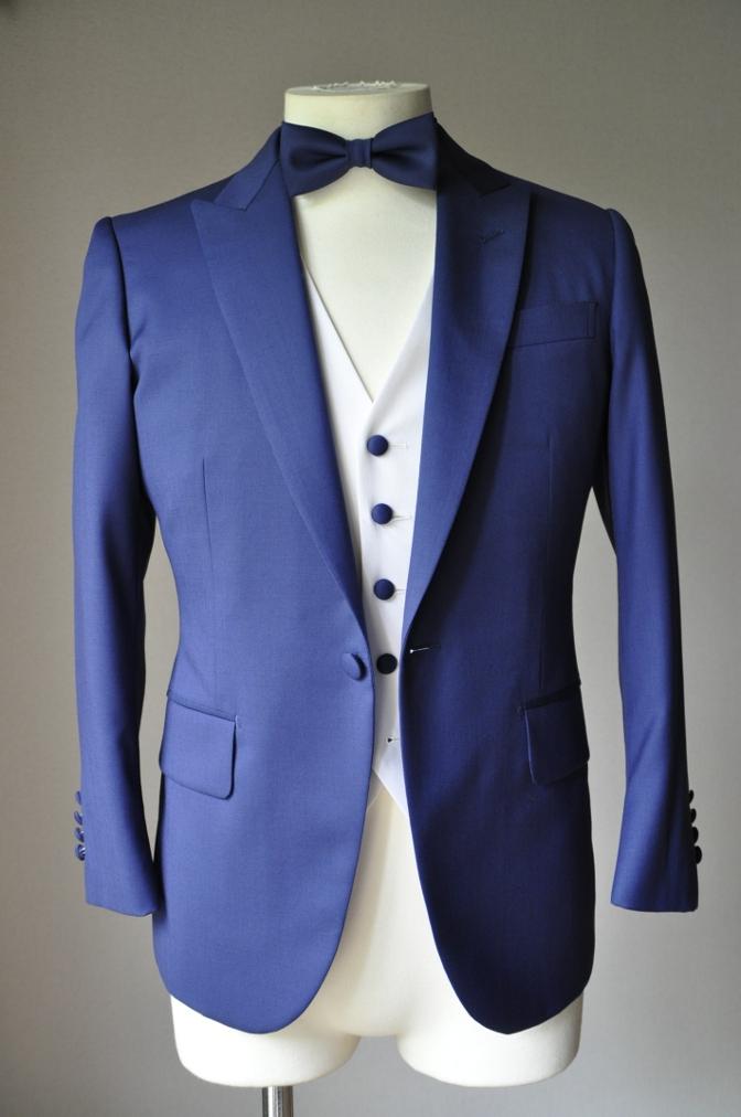 DSC28021 お客様のウエディング衣装の紹介-BIELLESIネイビースーツ グレー/ホワイトベスト-