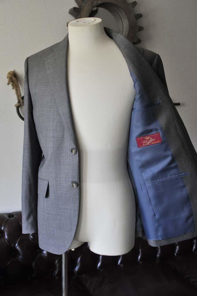 DSC28062 お客様のスーツの紹介- Biellesi 無地グレー スーツ-