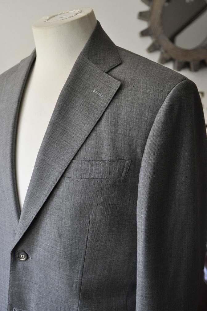 DSC28093 お客様のスーツの紹介- Biellesi 無地グレー スーツ-