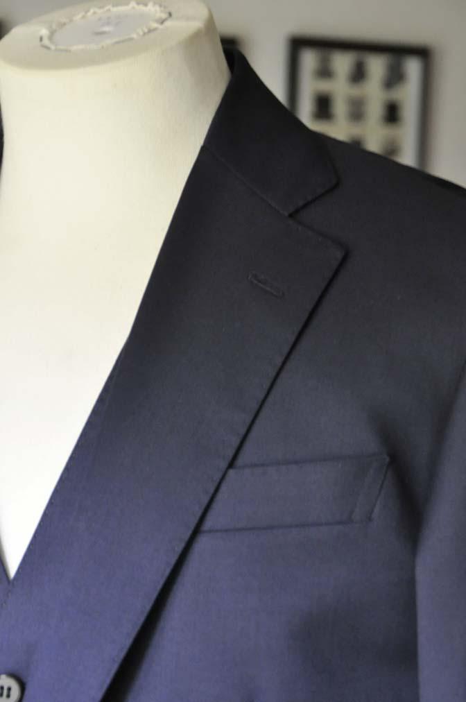 DSC28101 お客様のスーツの紹介-Biellesi 無地ネイビースリーピース-