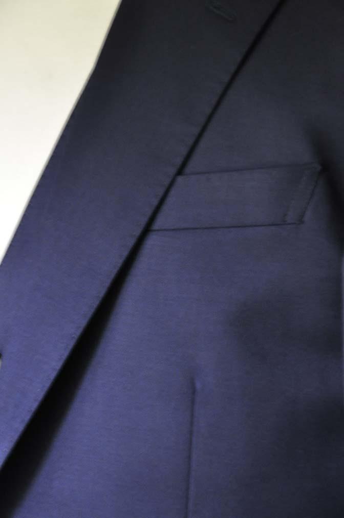 DSC28111 お客様のスーツの紹介-Biellesi 無地ネイビースリーピース-