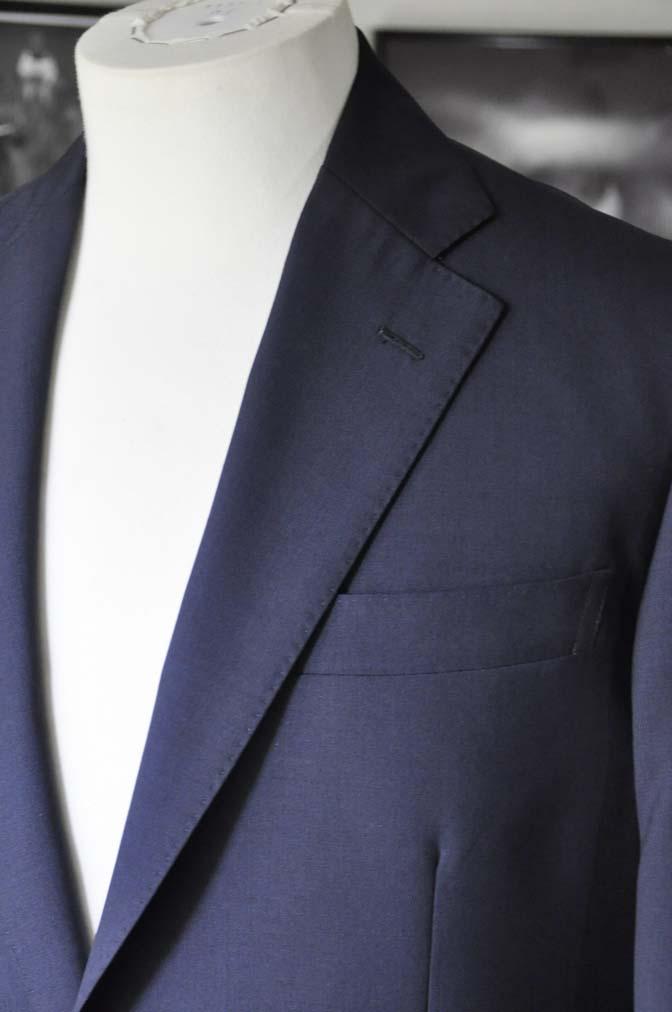 DSC2838 お客様のスーツの紹介-DARROW DALE 無地ネイビースーツ-