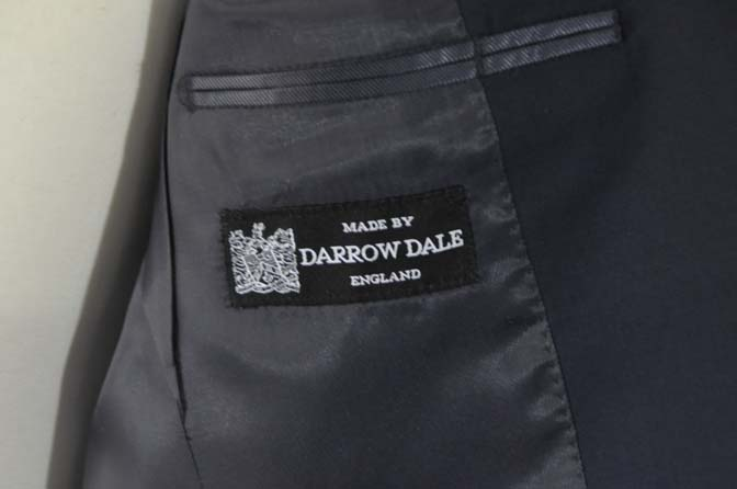 DSC2849 お客様のスーツの紹介-DARROW DALE 無地ネイビースーツ-