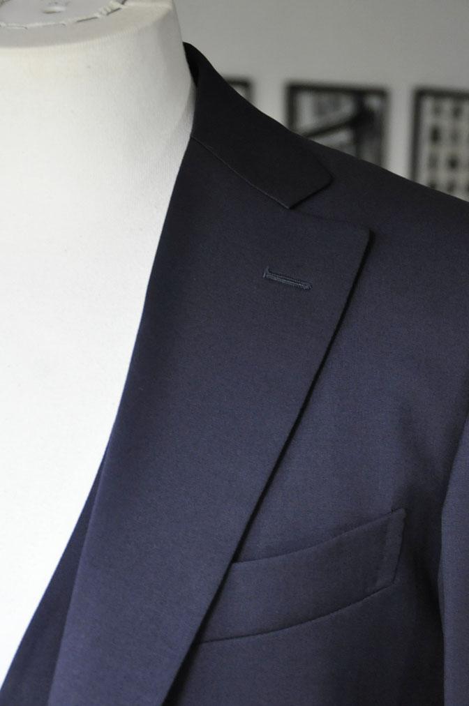 DSC2857 お客様のスーツの紹介-Biellesi 無地ネイビー スリーピース -