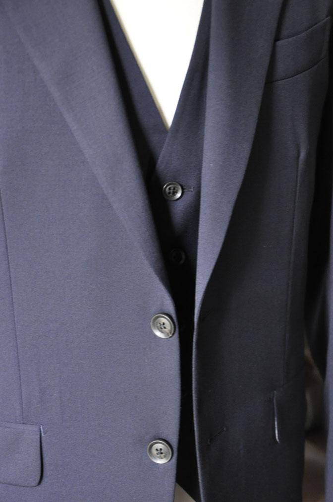 DSC28601 お客様のスーツの紹介-Biellesi 無地ネイビー スリーピース -