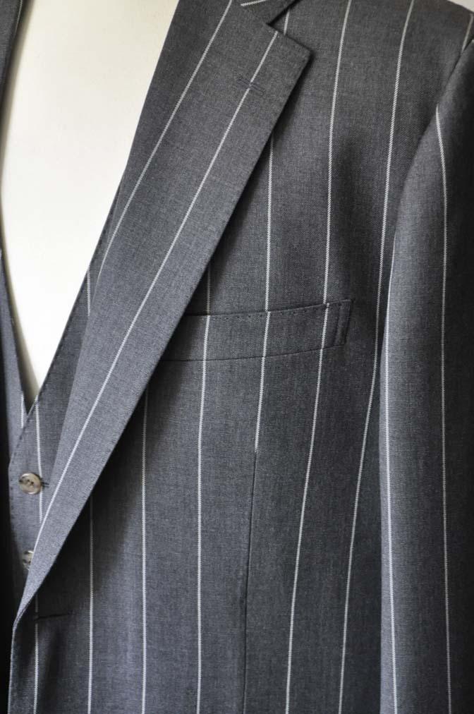 DSC2864-1 お客様のスーツの紹介- Biellesi グレーストライプスリーピーススーツ-