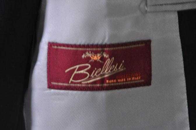 DSC28651 お客様のスーツの紹介-Biellesi 無地ネイビー スリーピース -