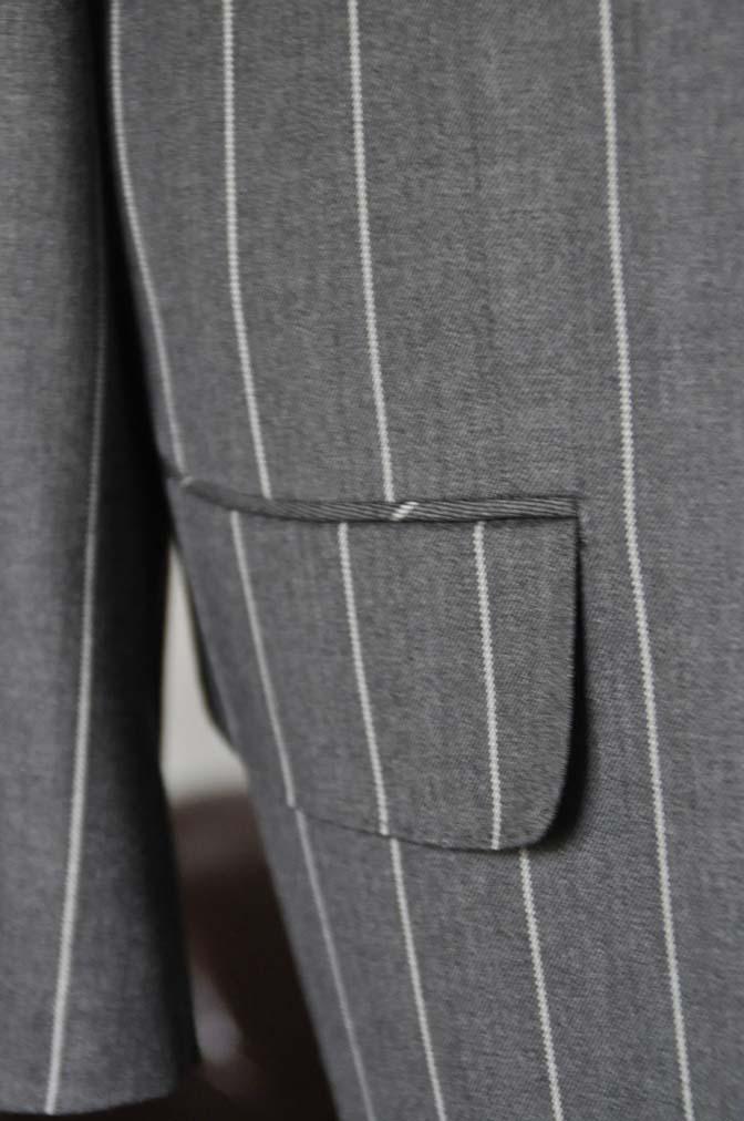 DSC2867 お客様のスーツの紹介- Biellesi グレーストライプスリーピーススーツ-