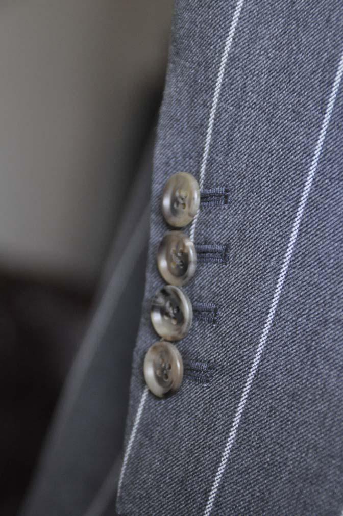 DSC2868-1 お客様のスーツの紹介- Biellesi グレーストライプスリーピーススーツ-