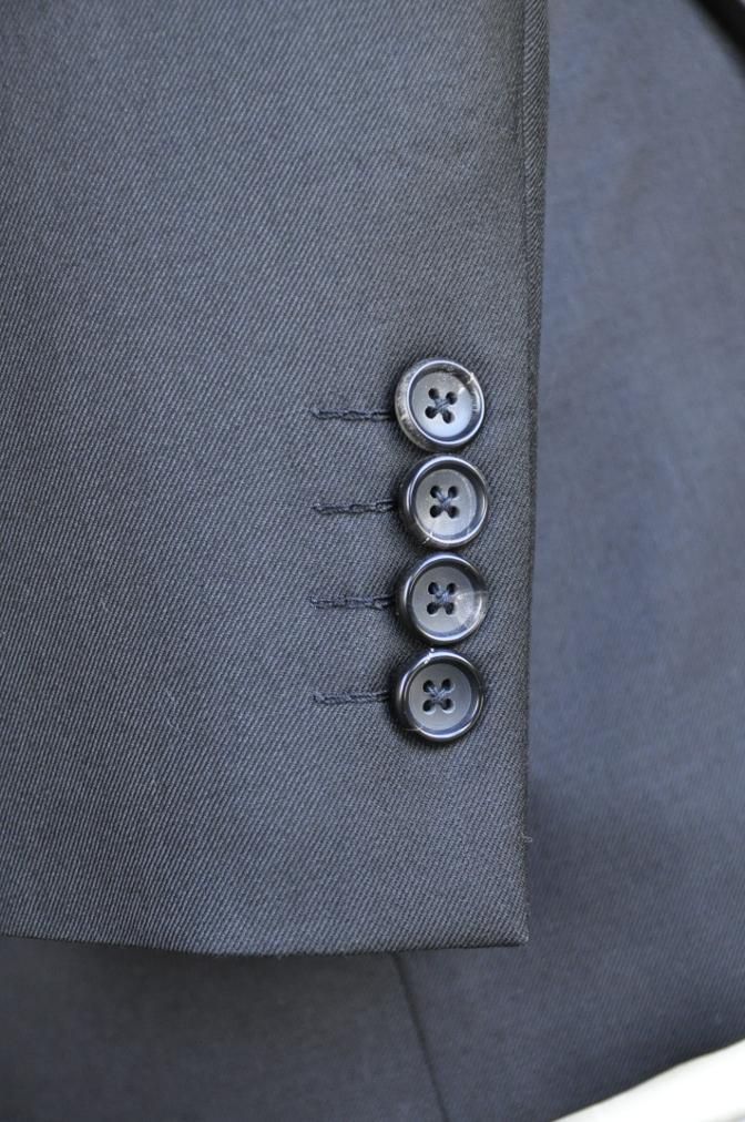 DSC2868 お客様のスーツの紹介-BIELLESI ブラックスーツ-