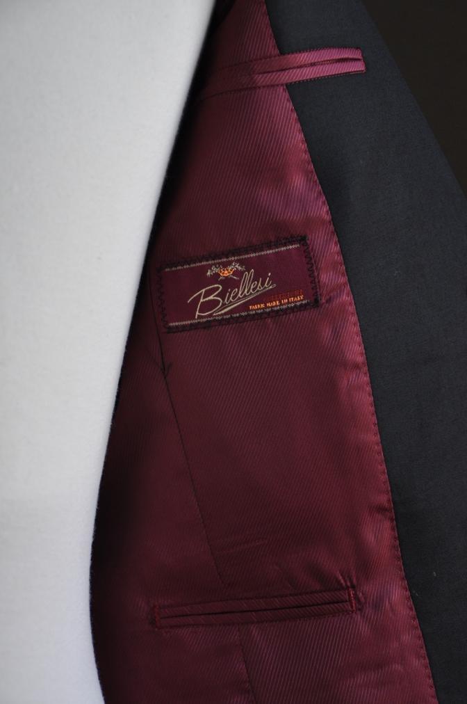 DSC2872 お客様のスーツの紹介-BIELLESI ブラックスーツ-