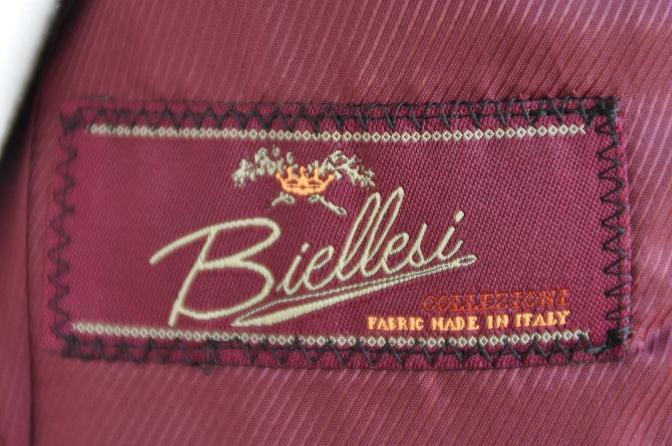 DSC2873 お客様のスーツの紹介-BIELLESI ブラックスーツ-