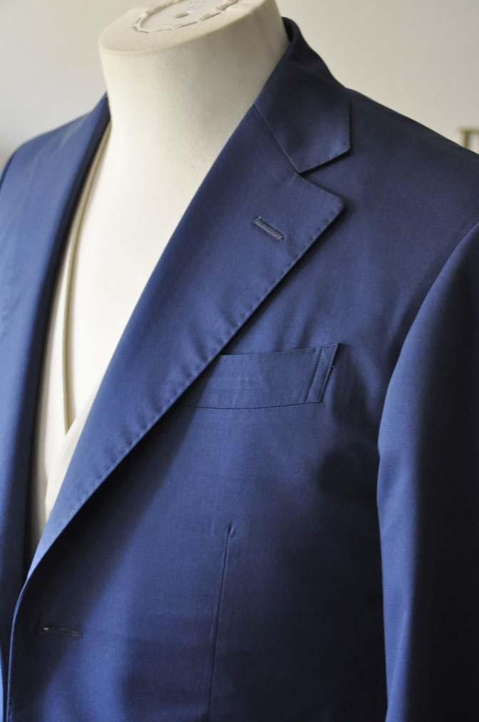 DSC2880-1 お客様のウエディング衣装の紹介-ネイビーコットンスーツ ホワイトベスト- 名古屋の完全予約制オーダースーツ専門店DEFFERT