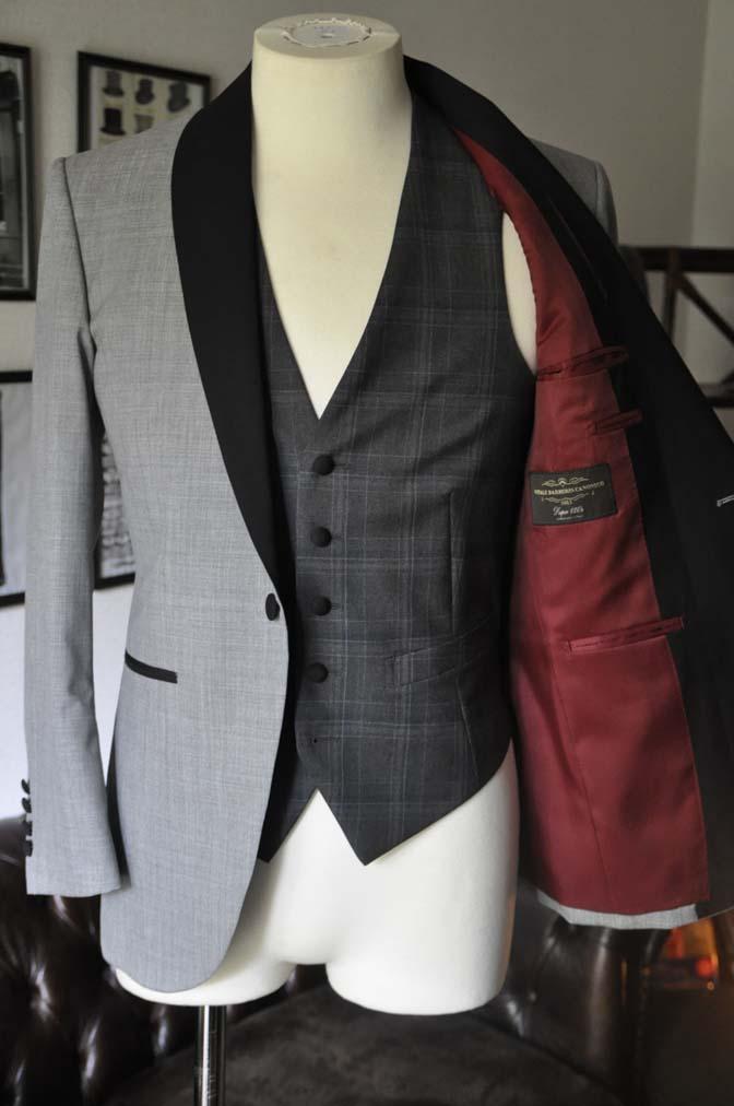 DSC2897 お客様のウエディング衣装の紹介-ショールカラージャケット チェックベスト ブラックパンツ-