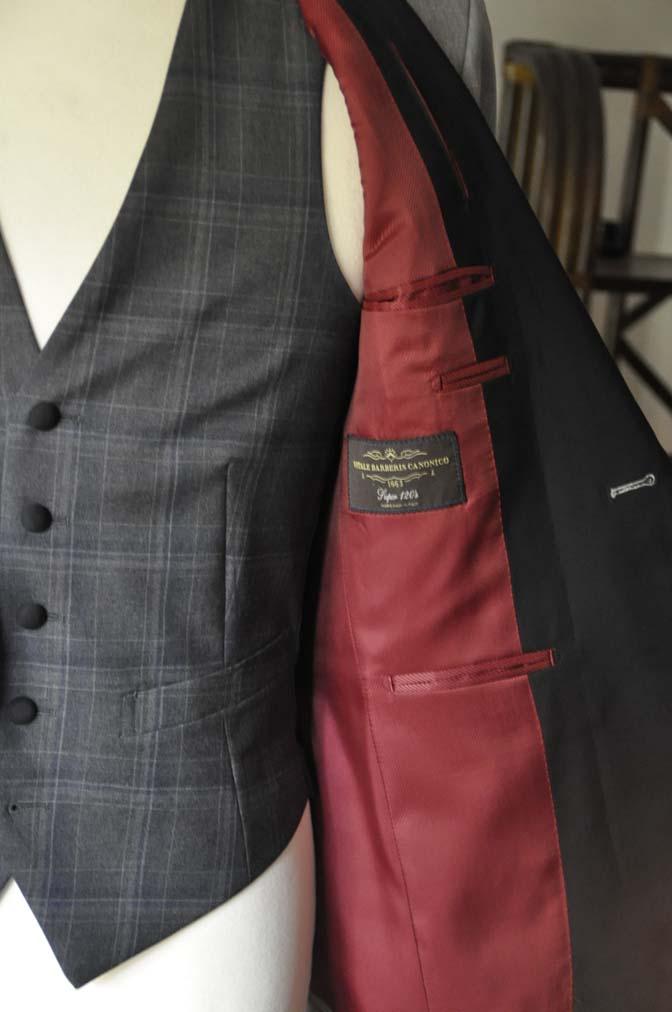 DSC2899 お客様のウエディング衣装の紹介-ショールカラージャケット チェックベスト ブラックパンツ-