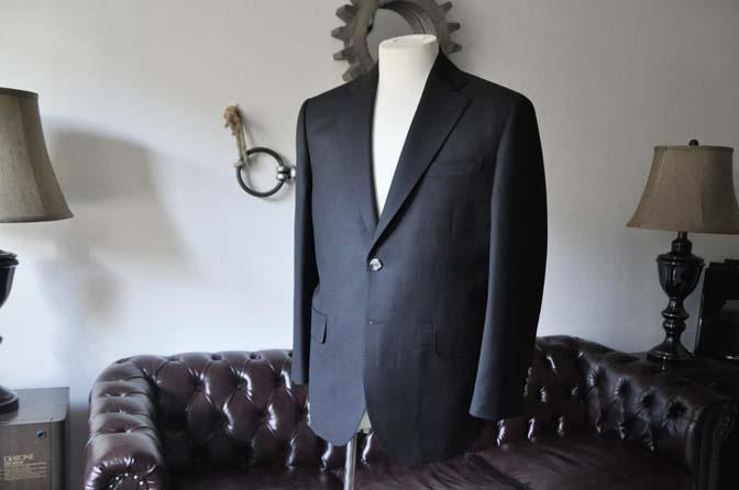 DSC2904-1 お客様のスーツの紹介- Biellesi ブラックヘリンボーンスーツ-