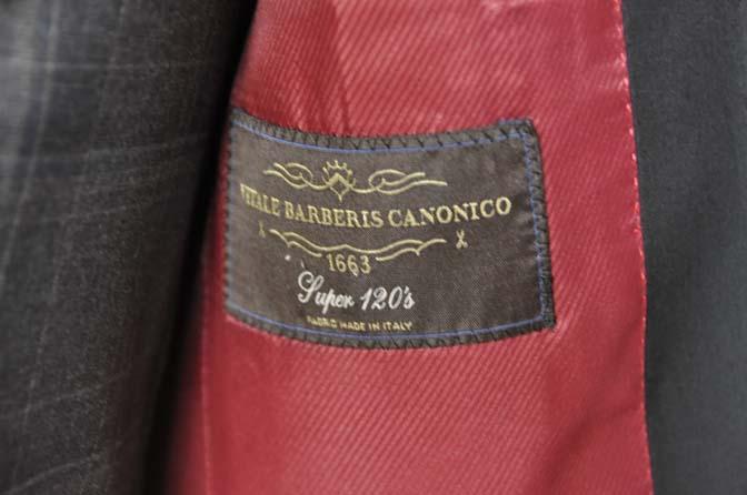 DSC2904 お客様のウエディング衣装の紹介-ショールカラージャケット チェックベスト ブラックパンツ-