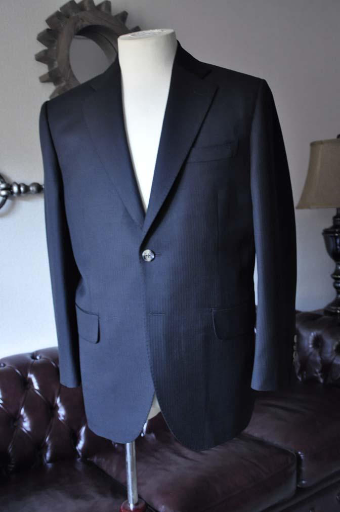 DSC2905 お客様のスーツの紹介- Biellesi ブラックヘリンボーンスーツ-