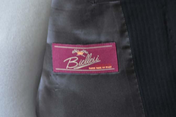 DSC2908 お客様のスーツの紹介- Biellesi ブラックヘリンボーンスーツ-