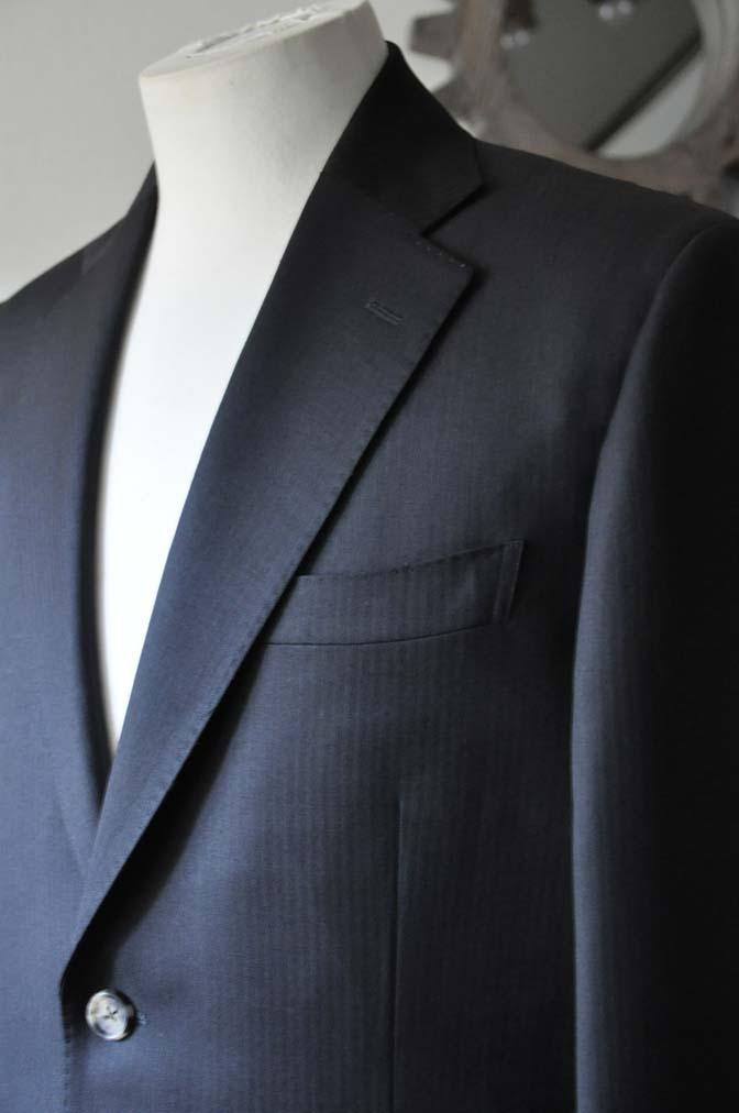 DSC2909 お客様のスーツの紹介- Biellesi ブラックヘリンボーンスーツ-