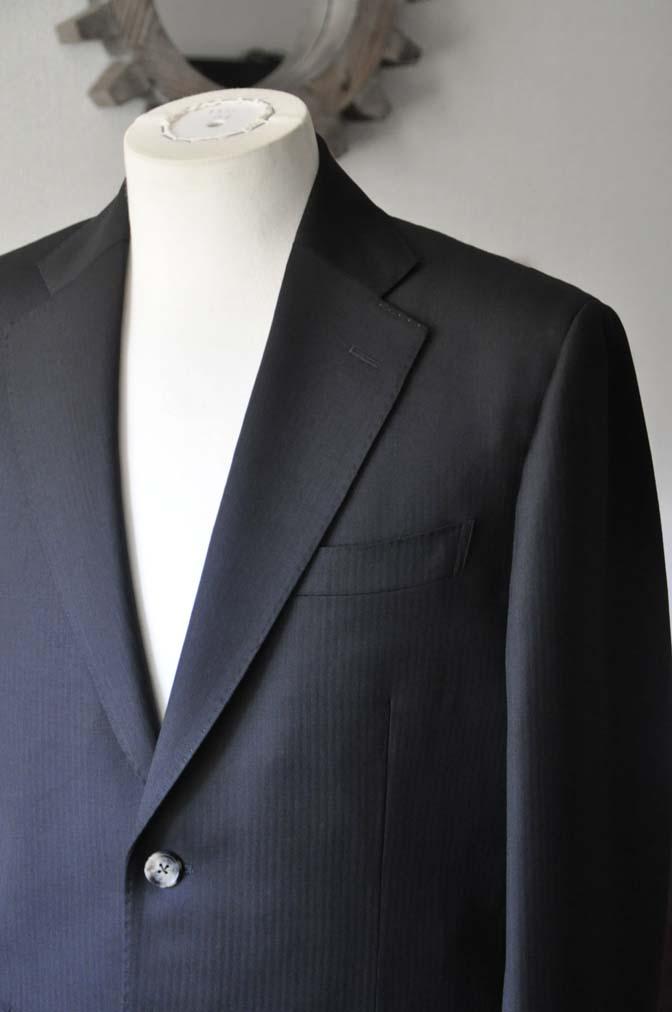 DSC2915 お客様のスーツの紹介- Biellesi ブラックヘリンボーンスーツ-