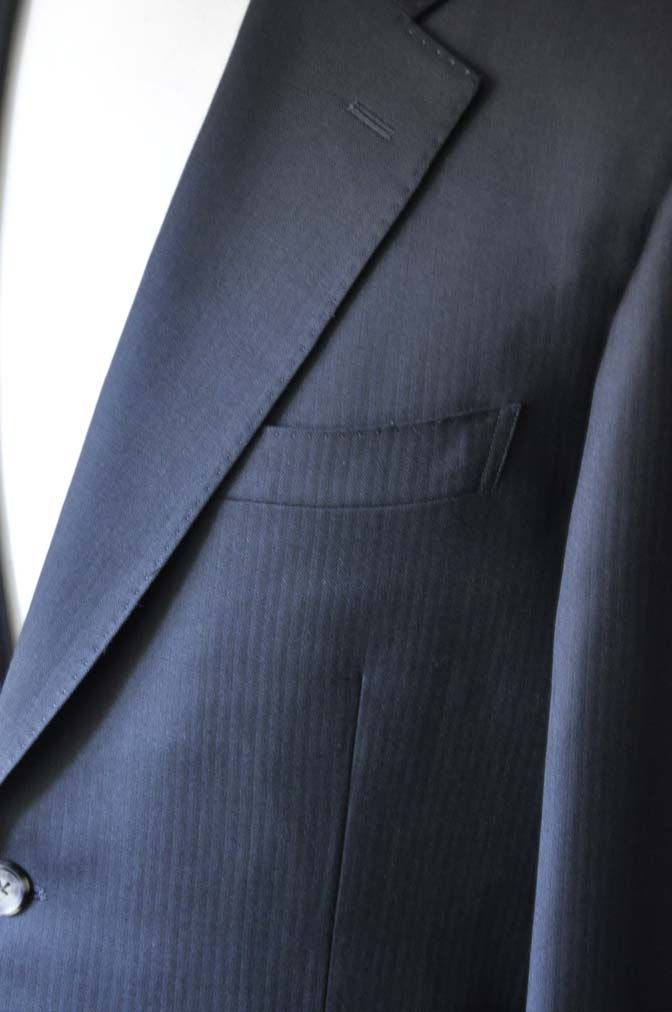 DSC2916 お客様のスーツの紹介- Biellesi ブラックヘリンボーンスーツ-