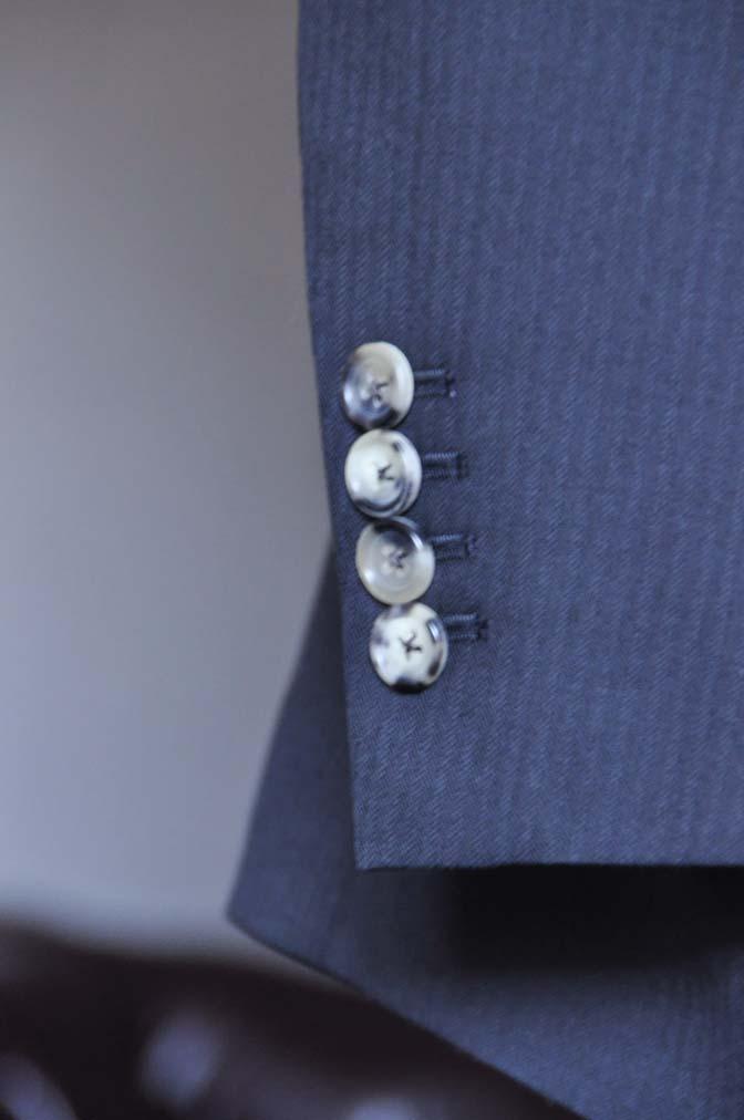 DSC2922 お客様のスーツの紹介- Biellesi ブラックヘリンボーンスーツ-