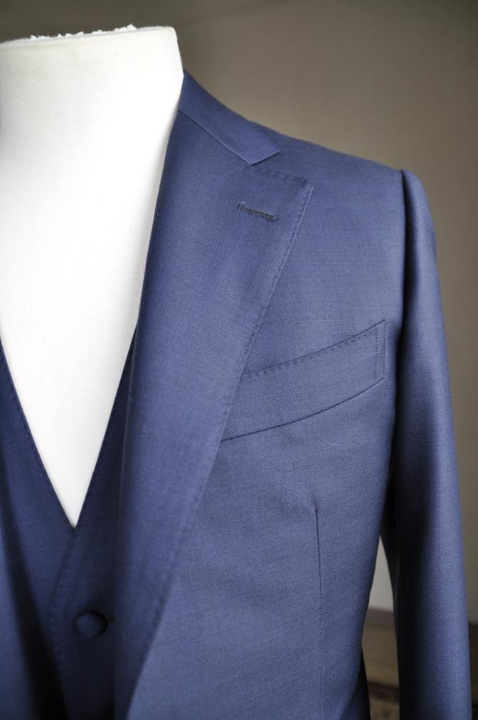 DSC2950 お客様のスーツの紹介-CANONICO 無地ネイビースリーピース-