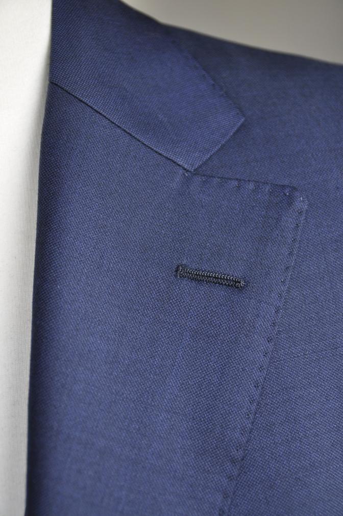 DSC2951 お客様のスーツの紹介-CANONICO 無地ネイビースリーピース-