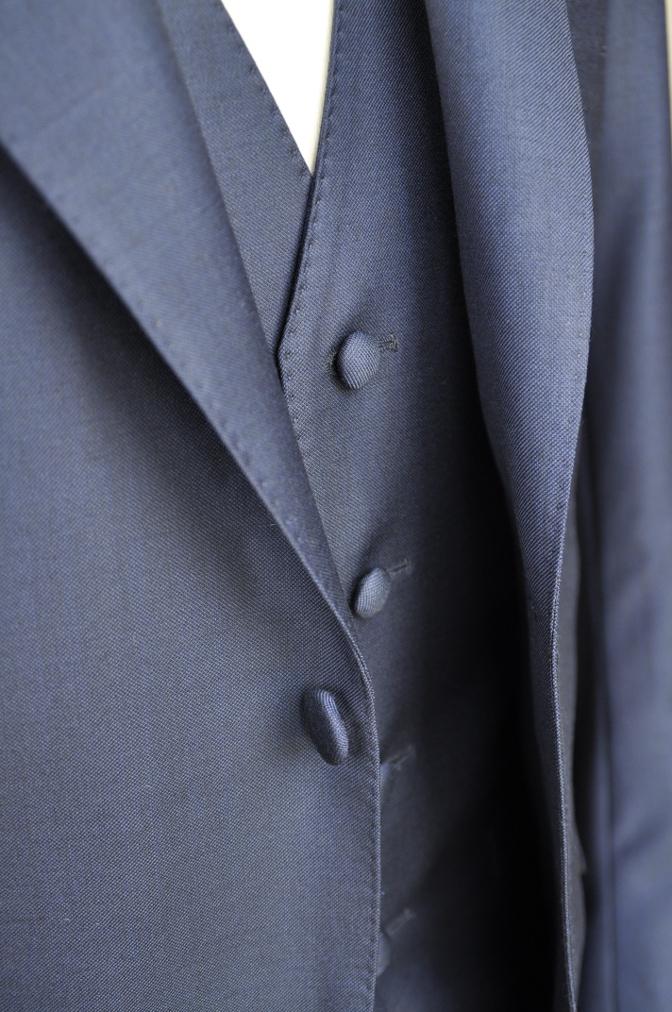 DSC2953 お客様のスーツの紹介-CANONICO 無地ネイビースリーピース-