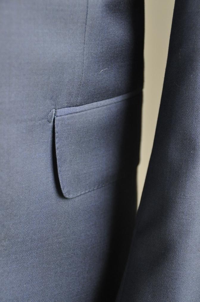 DSC2956 お客様のスーツの紹介-CANONICO 無地ネイビースリーピース-