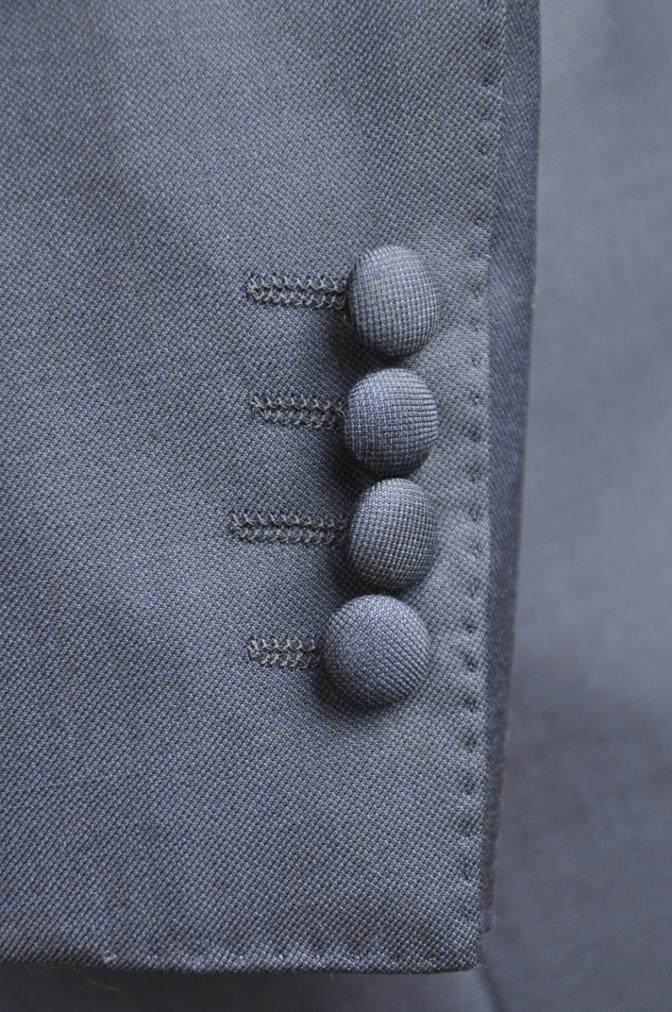 DSC2957 お客様のスーツの紹介-CANONICO 無地ネイビースリーピース-