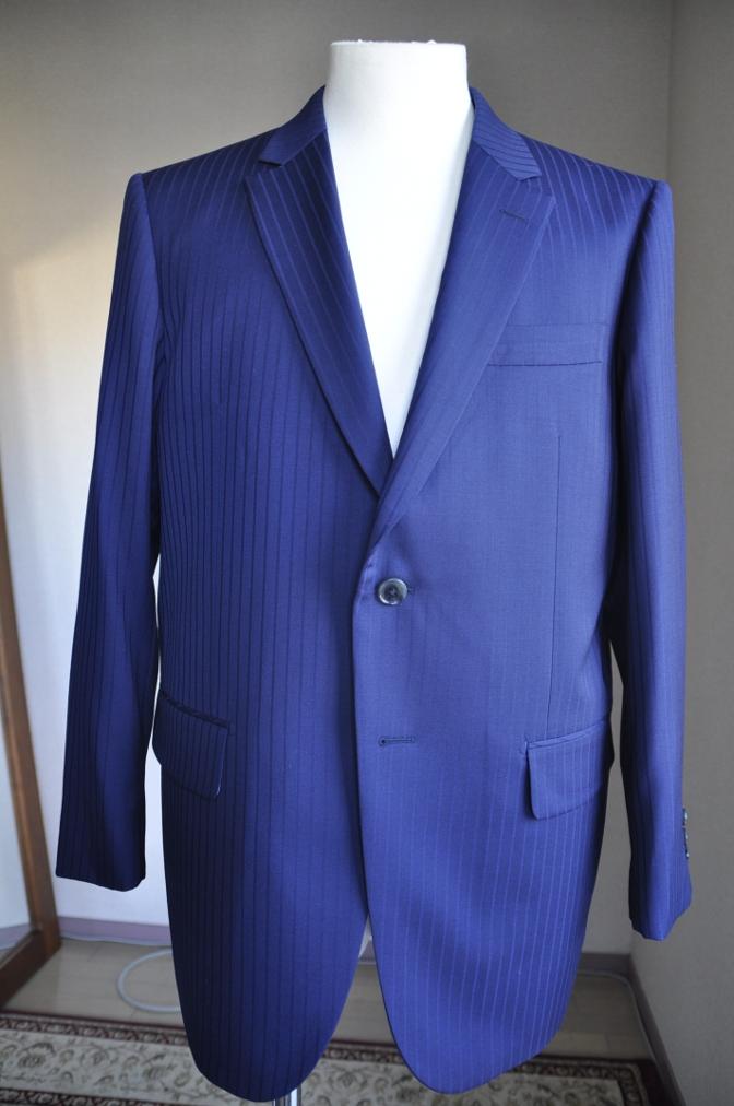 DSC2989 お客様のスーツの紹介-BIELLESIネイビーストライプ-