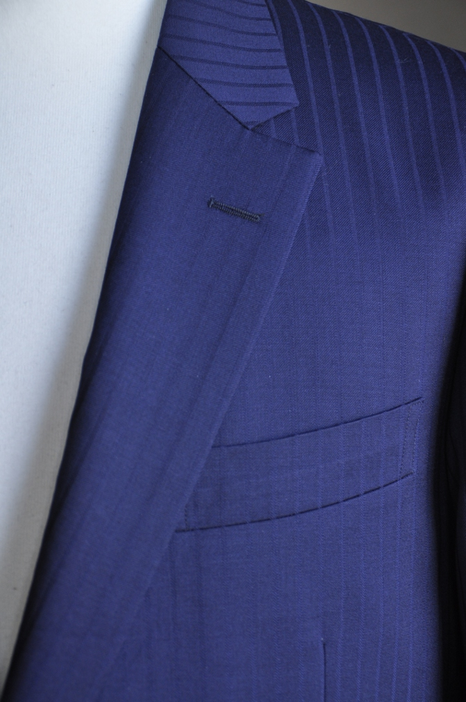 DSC2990 お客様のスーツの紹介-BIELLESIネイビーストライプ-