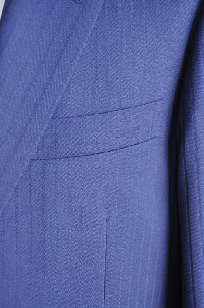 DSC2992 お客様のスーツの紹介-BIELLESIネイビーストライプ-