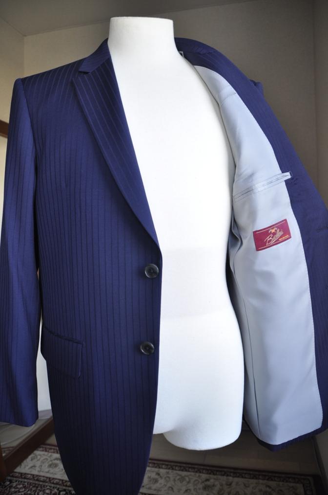 DSC2996 お客様のスーツの紹介-BIELLESIネイビーストライプ-