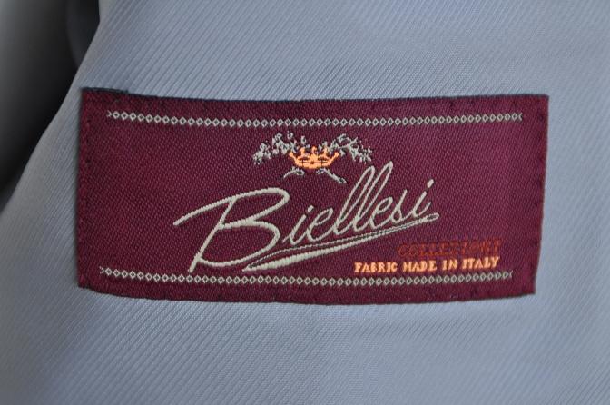 DSC2997 お客様のスーツの紹介-BIELLESIネイビーストライプ-