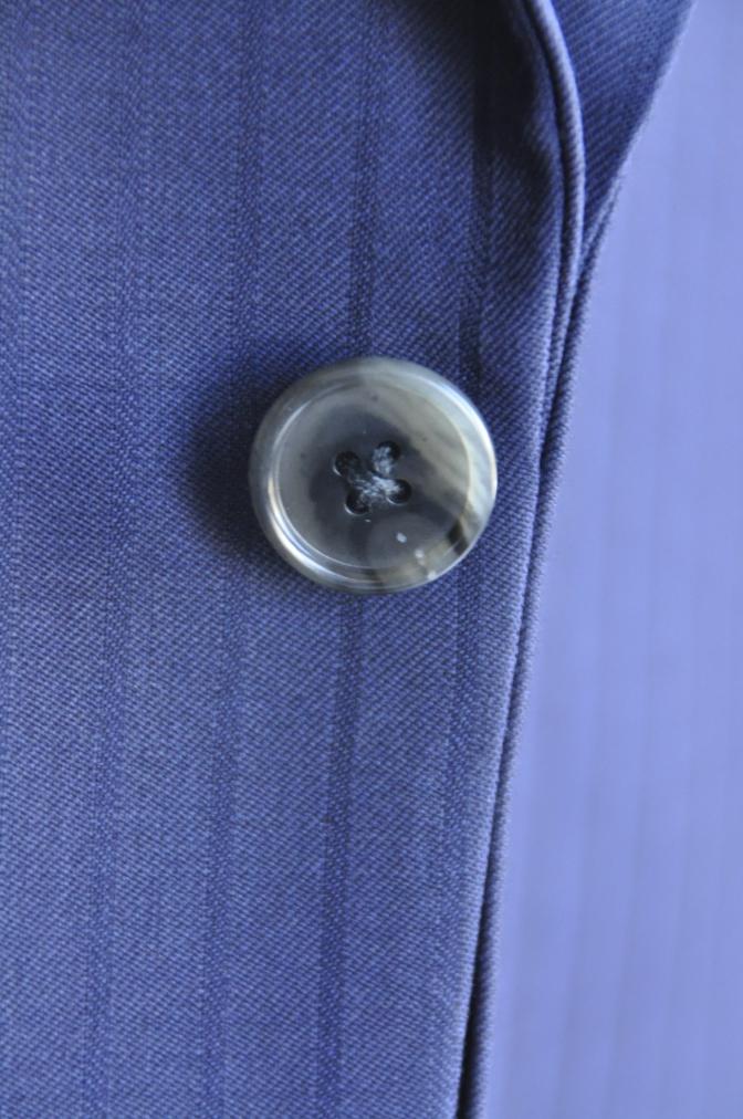 DSC2998 お客様のスーツの紹介-BIELLESIネイビーストライプ-